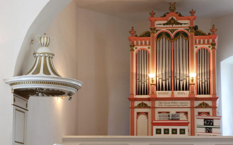 Háromszázezer forinttal segítettük a magyarberkeszi orgona felújítását